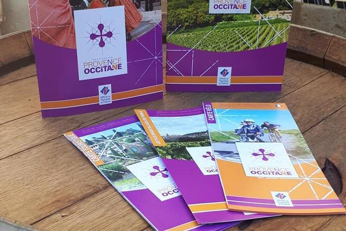 Maps & Brochures