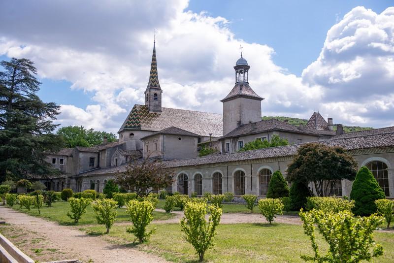 Chartreuse de Valbonne en Provence Occitane