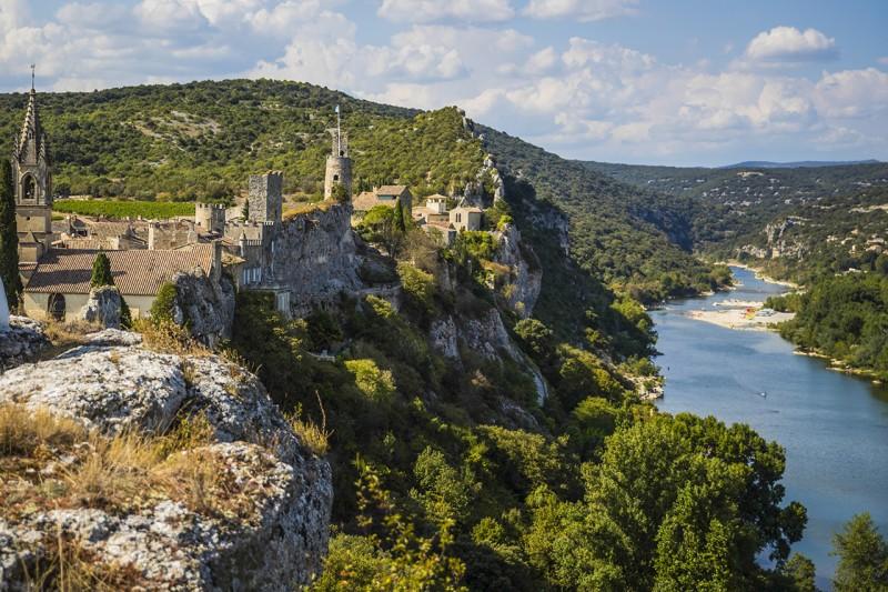 Vue sur Aiguèze et l'Ardeche - Copyright © 2017 Eddy Termini