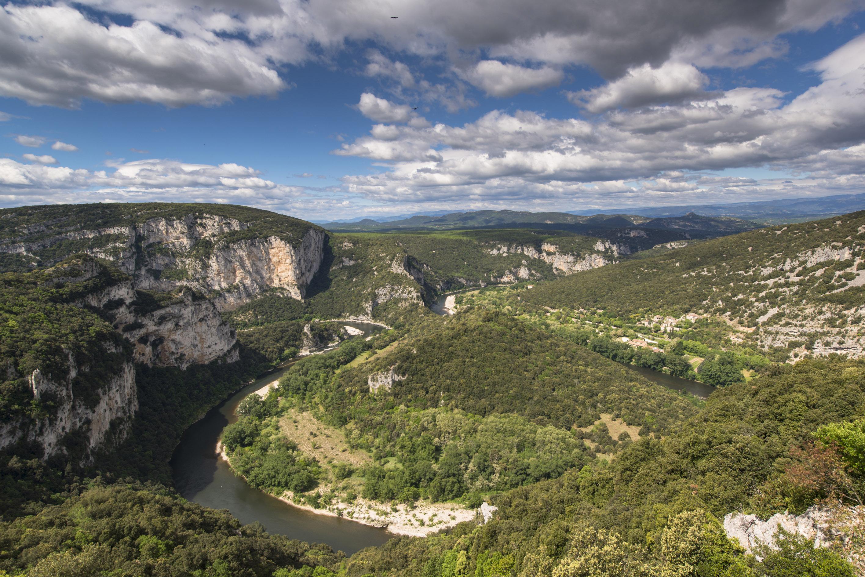 1-les-gorges-de-l-ardeche-classees-reserve-naturelle-nationale-depuis-1980-christian-boucher-9709